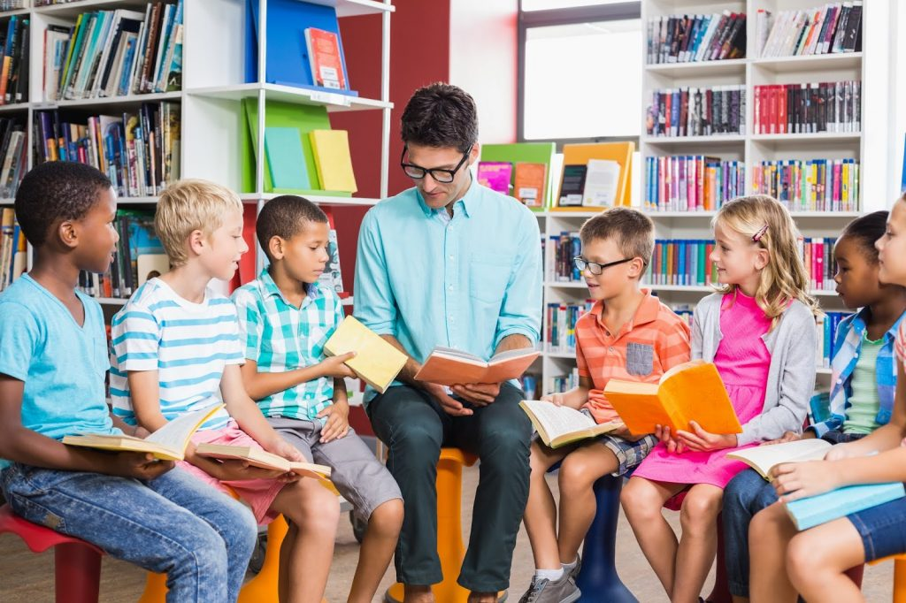 10 reasons to read books aloud in the classroom.  Read alouds are a powerful tool for students of any age!